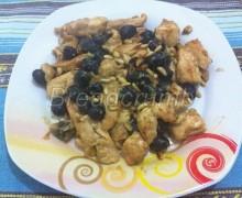 Pollo con Olive e Pinoli